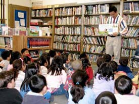 Oliver Chin on a school visit